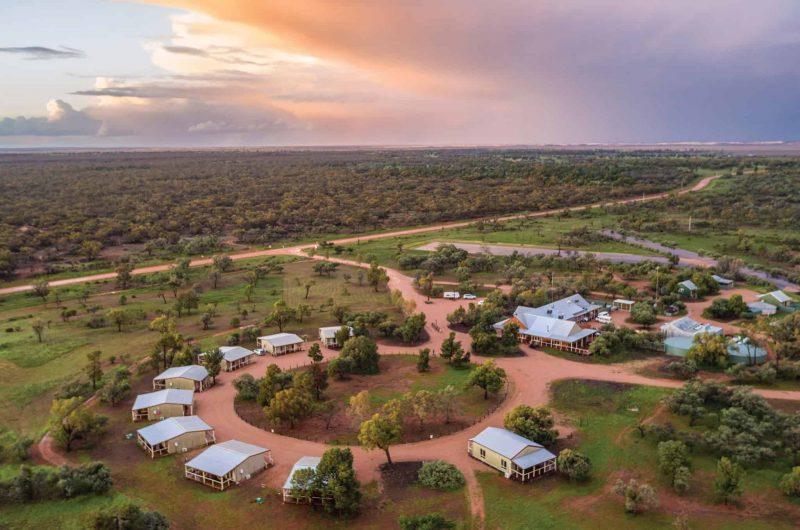 156284 2 Destination NSW Mungo Lodge