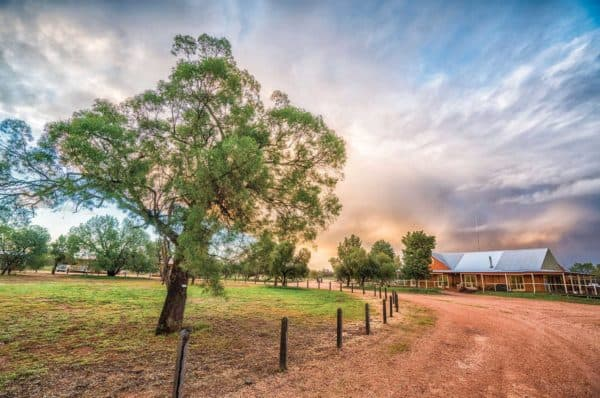 156309 56 Destination NSW Mungo Lodge