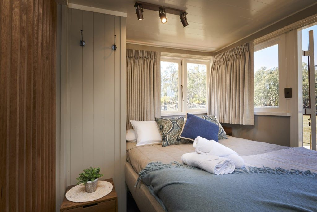 Suite Cabin Queen Bed