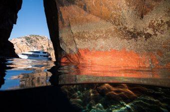 Wineglass Bay Cruises Keyhole Cave.small