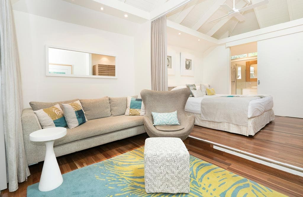 Arajilla Kentia Suite Lounge Bed 2